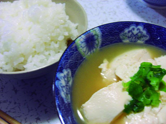 炊きたてごはんとゆし豆腐
