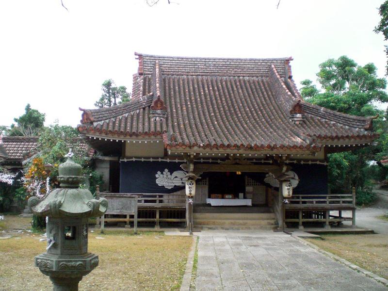 写真1/本殿。1934(昭和9)年に火事で焼失後、1942(昭和17)年に再建された