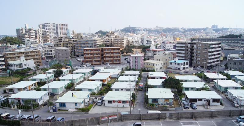 外人住宅エリアの全景。周辺のまち並みとの違いがはっきり分かる