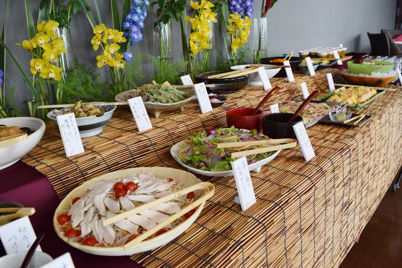 総菜物は9種類の豊富な内容