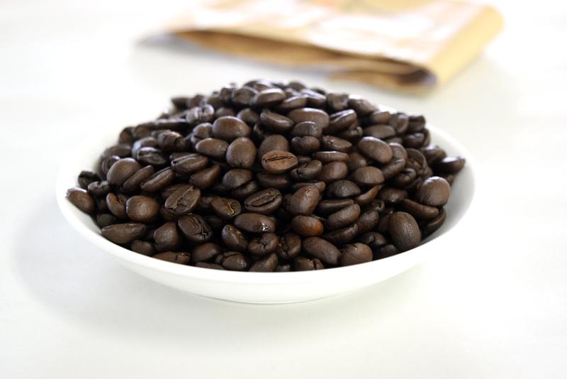深煎りの豆は、苦味のバランスがよく、沖縄の夏にピッタリのアイスコーヒーにあう♥(豆:ビター・ブラジル)