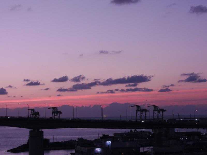 那覇・泊から見た夕景