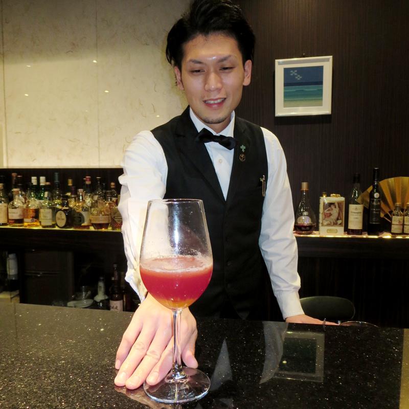 「ワインを使ったカクテルも多いのでぜひ味わって」という大城さん