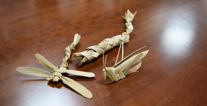 タコノキの葉で作ったおもちゃ