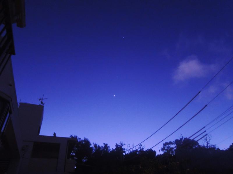 明けの明星=朝、この星を見上げていろいろ物思いにふけった……