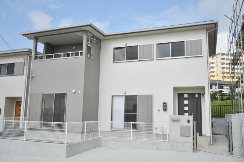 名護市宇茂佐で建設中の建売物件と同タイプのティーダホーム「充実の家DX」