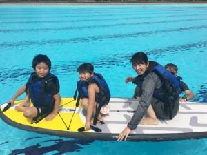 子ども達と、SUP(スタンディングアップパドル)に挑戦するため、練習中!