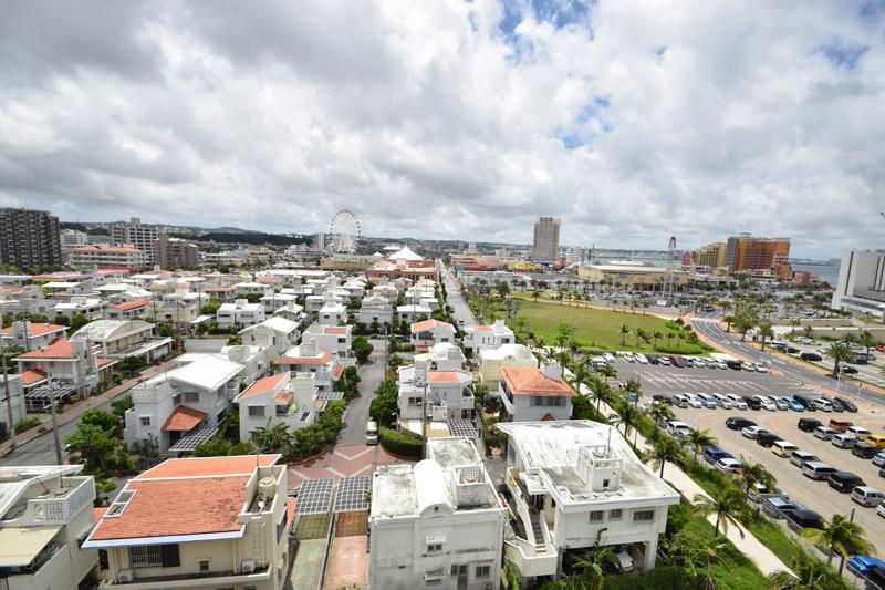<2>美浜区には戸建て住宅が多い。整然と低層の家が建ち並んでいる。
